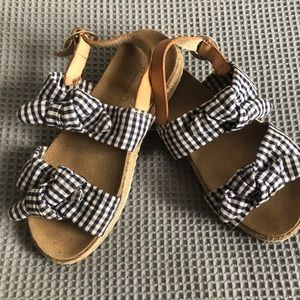 Massimo Dutti sandals for a girl, size 34